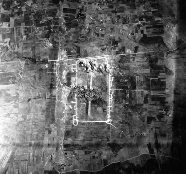 AeroportoBorgoRizzo-Chinisia6July1943.jpg